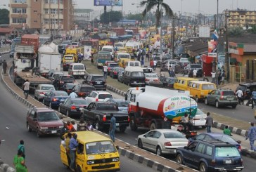 Traffic snarl along Ikorodu Road, Lagos