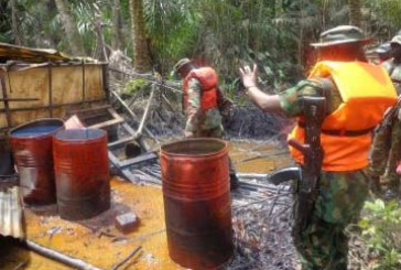 Nigerian Navy destroys 78 illegal refineries in Rivers State